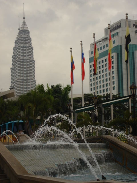 fountain-petronas.jpg